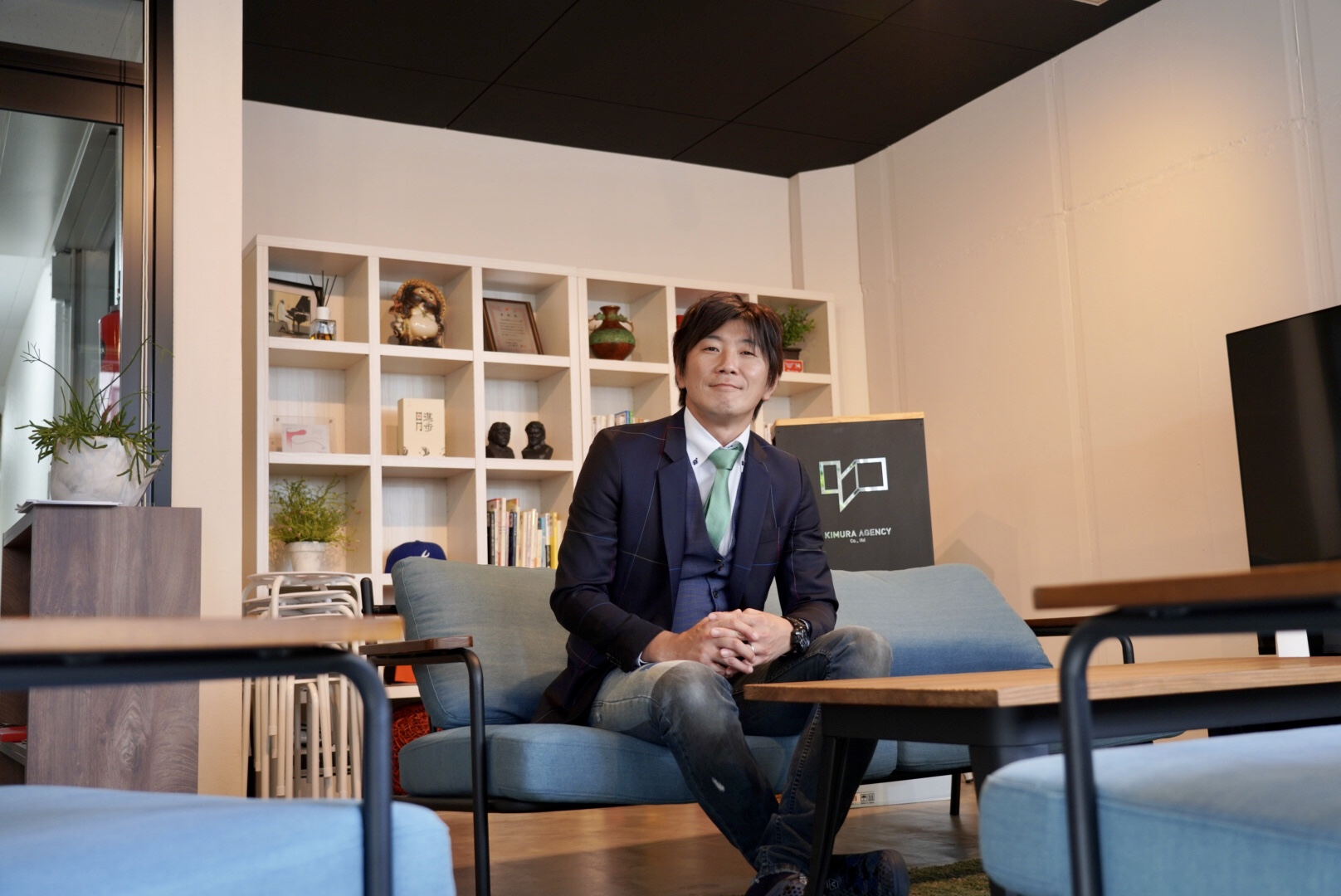 札幌と東京、800キロも離れたオフィスを1つに いつも隣に座っている感覚でいられる「meet in」木村エージェンシーの導入事例